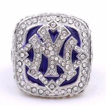 """SPORTS RING * 2009 NEW YORK """"YANKEES"""" WORLD * CHAMPIONS/ ...fast delivery!"""