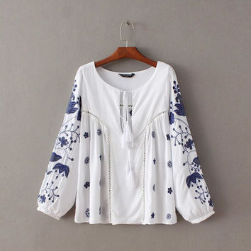 Autumn Tassels Embroidery Round-neck Long Sleeve Tops Shirt [8805277575]