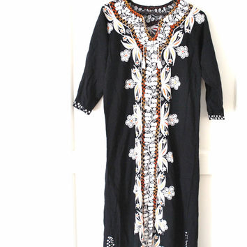 1970s ETHNIC Indian dress / BOHO embroidered HIPPIE caftan
