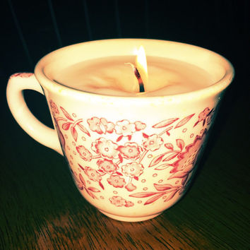 Vanilla and Cinnamon Infused Soy Candle in Mystery Vintage Tea Cup