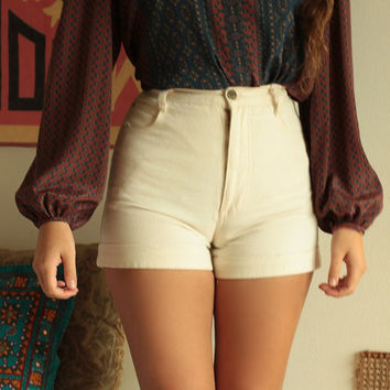 Vintage 60s 70s Rare Retro Hippie High Waisted Cuffed Beige Bone Hot Pants Shorts