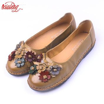2017 Retro Shoes For Woman Handmade Shoes Genuine Leather flats with Butterfly-knot Spring Lady Sandals Flowers Mother Shoes