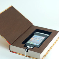 """iPhone dock/charger - """"Rides Around Britain"""""""