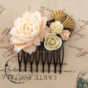 Wedding Hair Comb Bridal Flower Hair Comb Soft Pink Peach White Ivory Eggshell Pastel Color Rose Cream Bridal Vintage Style Comb Shabby Chic
