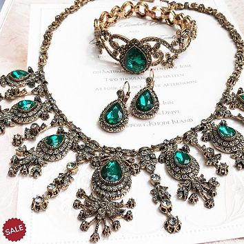 Emerald Green Crystal Victorian Bridal Jewelry Set