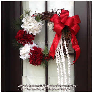 Traditional Christmas Hydrangea Wreath - Christmas Wreath - Grapevine Wreath - Winter Wreath - Christmas Gift - House Warming Gift
