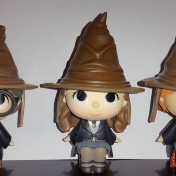Harry Potter, Ron & Hermione with Sorting Hat Funko Mystery Minis Series 2