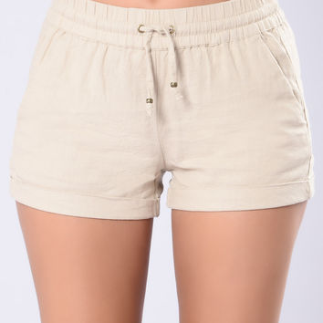 Relaxin' Shorts - Taupe