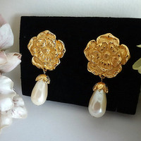 Vintage Signed Avon Pearl Earrings,Flower Blossom and Teardrop Pearl Earrings,Avon Earrings,Avon Jewelry,Long Pearl Drop Earrings,Bridal