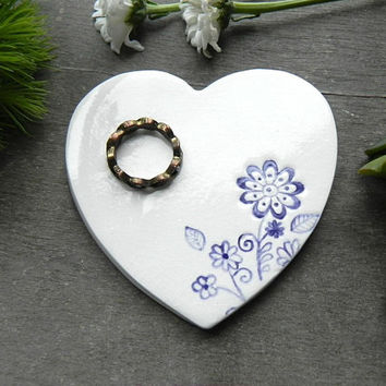 Mother's Day Heart Porcelain Jewelry Dish, Flower Wedding Ceramic Ring Dish, Pottery Bridal Plate,  Romantic Purple Floral Trinket Dish
