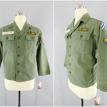 1950s Vitnage / US Army / OG-107 Utility Shirt / 3rd Army / Specialist 4th Class / Danton Name Tape / Size M / 38-40 / 1960s