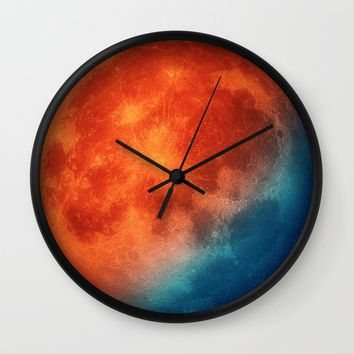 Super blue blood moon Wall Clock by tmarchev