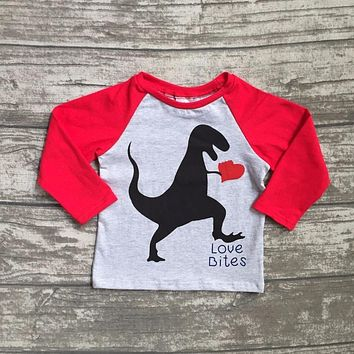 new spring Valentine's Day baby boy's Dinosaur red gray heart love heart cotton boutique cute topT-shirt reglans childen clotes