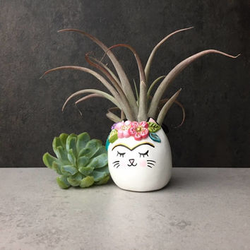 Frida Kahlo Cat, Mini Animal Planter, Whimsical Frida Catlo Art, Cute Desk Accessories, Cubicle Decor, Air Plant Holder, Housewarming Gifts