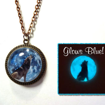 Howling Wolf Blue Moon Necklace Glow in the Dark with Simple Victorian Vintage Style Brass Bronze Pendant Necklace