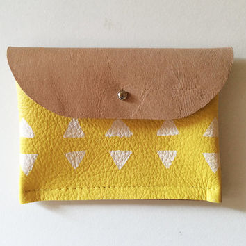 CARDHOLDER // mushroom, yellow and white triangles