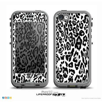 The Black and White Snow Leopard Pattern Skin for the iPhone 5c nüüd LifeProof Case