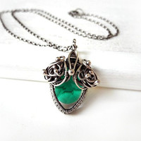 Fine Silver necklace with emerald green Swarovski crystal, silver wire wrapped jewelry, elvish jewelry for romantic woman