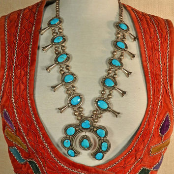Vintage 70s Navajo Sterling Silver Old Pawn Handcrafted Turquoise Squash Blossom Necklace