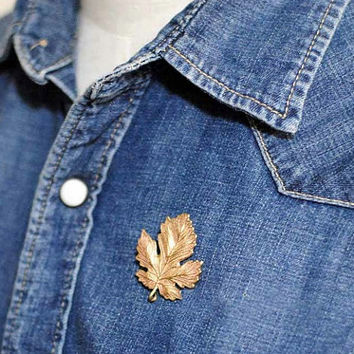 Gold Plated Maple Leaf Collar Brooch, Collar Pin, Collar Brooch, Collar Pin, Unisex Brooch, Maple Leaf Brooch, Vintage Maple Leaf Pin, Gift