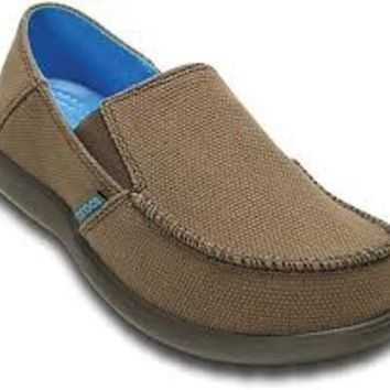 Crocs Santa Cruz Canvas GS Loafer (Youth), Espresso/Espresso ~ Relaxed Fit