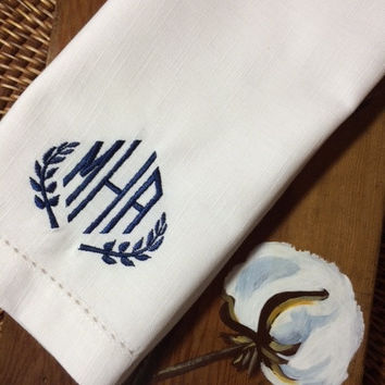 Custom 4 Leaf Monogrammed Embroidered Cloth Dinner Napkins--Cotton / Poly / hostess gift / wedding / personalized gift / table linens
