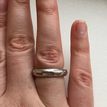 Vintage Chunky Thick Sterling Silver Band Ring with Checkered White Stone Inlay Size 9.25