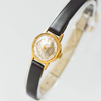 Limited edition women's watch Gold plated classy Seagull 50th Anniversary of Revolution watch Angular cover watch shockproof Leather strap