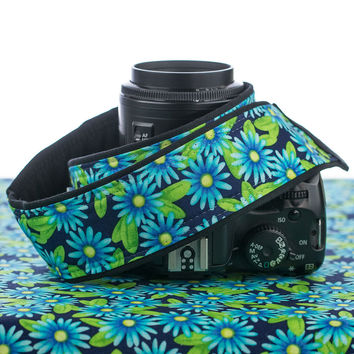 055 Blue Daisy Camera strap