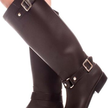 BROWN RUBBER MATERIAL DOUBLE BUCKLE ACCENT BACK ZIPPER KNEE HIGH RAIN BOOTS