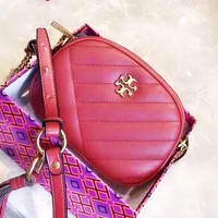 TORY BURCH sells a stylish retro solid color casual shopping shoulder bag Red