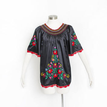 Vintage 1970s Blouse - Mexican Embroidered Smocked Floral Black Boho Tunic Top 1980s - Large