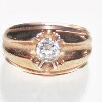 14KT Gold Filled Heavy Ring with Clear Stone Center Size 9