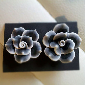 Black&White flower blossom earrings