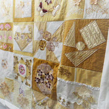 Quilt Heirloom - Quilt Hand Made - Bed Top Quilt - Handmade Heirloom Quilt - Made in Australia - One of a Kind Quilt - Embroidered Quilt