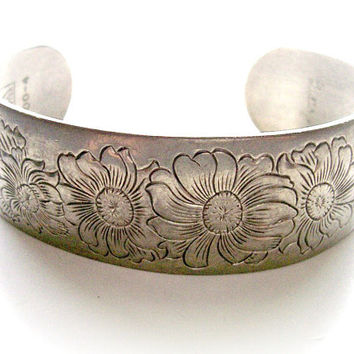Floral Pewter Cuff - Kirk Stieff Vintage Bracelet - Signed Kirk Pewter 900-4 - Boho Hippie Daisy - BootsiesWorld