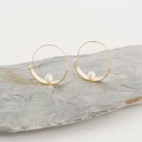 Pearl Balance Hoop Earring, Gold Plated