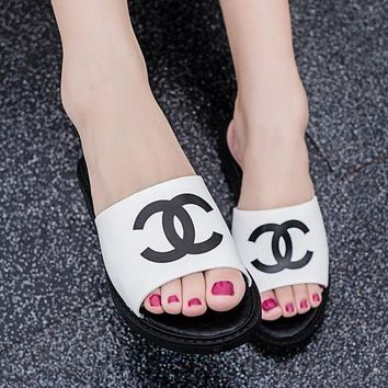 Chanel Trending Women Leisure Print Sandal Slipper Shoes White I