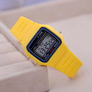 Fashion Sport Watch For Men Women Kid Colorful Electronic Led Digital Watches Multifunction Jelly Wristwatch Clock Hour LZ020