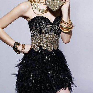 Black homecoming dress with sequins and ostrich feathers,unique short sweetheart prom dresses,elegant applique beaded gowns for party.