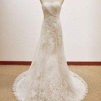 Fantastic/Romatic lace wedding dress with beautiful long train white wedding dresses10% off discount