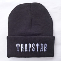 TRAPSTAR Beanie Winter Warm Fashion Knitted Womens & Mens  Black & White Cuffed Skully Hat