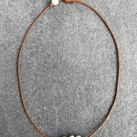 Three Pearl Choker Necklace - Tan