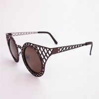 Unisex Metal Frame Round Shape Synthetic Resin Lens Sunglasses with Hollow Out Detail
