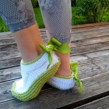 Knitted Slippers/ Hand Knit Warm Slippers/ Womens Slippers Socks/ Wool Slippers/ Teen Slippers/ Green Slippers