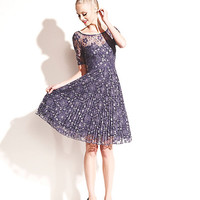 FLORAL LACE DRESS WITH PLEATING