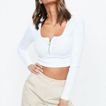Missguided - White Long Sleeve Scoop Neck Zip Front Rib Crop Top