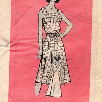 Vintage Retro Style Apron Wrap Dress Marian Martin 9133 Sewing Pattern Sundress Housedress Tie Waist Square Neck Boho Style Bust 34