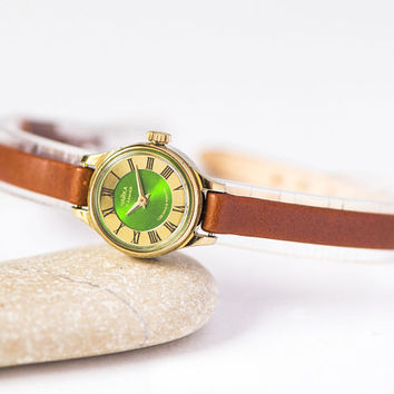 Green face wristwatch for woman, lady's watch gold plated, women watch tiny Seagull, Roman numerals watch little, genuine leather strap new