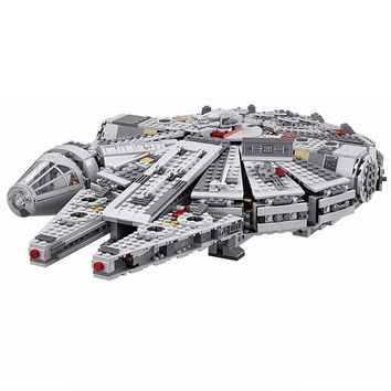 Drop Shipping Star Millennium Falcon Outer Space Ship Building Blocks Model Toys Christmas Gift for Children War